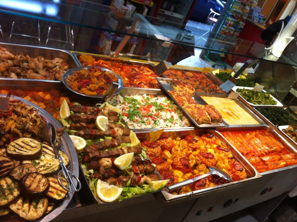 Как бюджетно питаться в путешествиях и экономить на еде