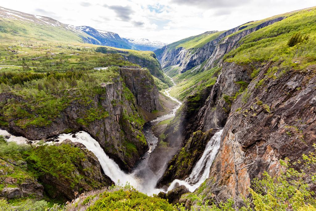 Необычные маршруты Норвегии водопад