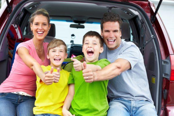 Путешествие со взрослым ребенком в машине
