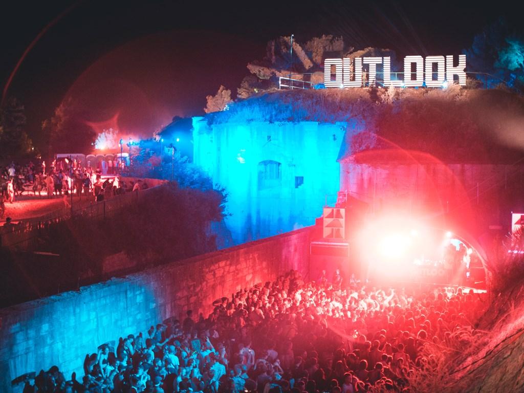 фестиваль Outlook